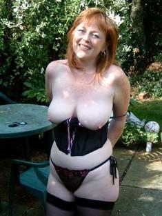 Italian women with big dangling boobs,..