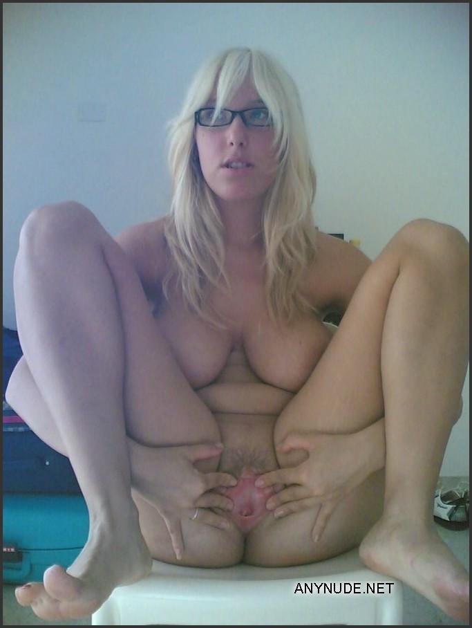 amateur sluts Naked